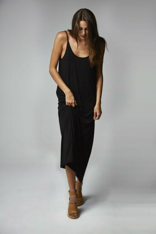 Vestido escote espalda negro 1